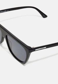McQ Alexander McQueen - Occhiali da sole - black - 3