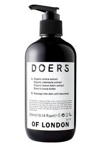 Doers of London - BODY LOTION - Fugtighedscreme - - - 1