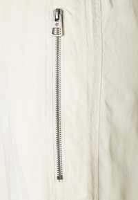 Marc O'Polo - Tracksuit bottoms - off-white - 2