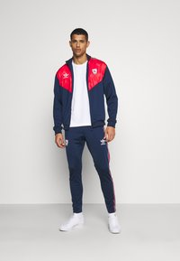 adidas Originals - Pantalon de survêtement - collegiate navy - 1