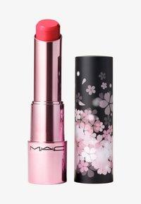 BLACK CHERRY GLOW PLAY LIP BALM - Lippenbalsem - floral coral