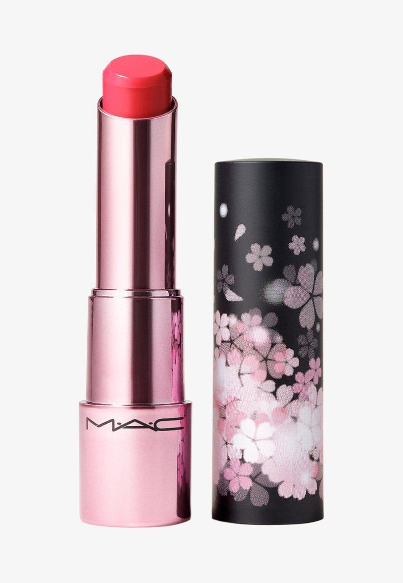 MAC - BLACK CHERRY GLOW PLAY LIP BALM - Lip balm - floral coral