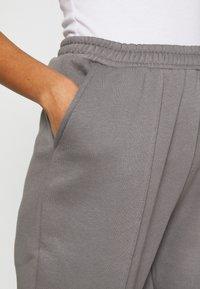 Nly by Nelly - ULTIMATE COZY JOGGERS - Teplákové kalhoty - gray - 5