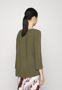 Vero Moda - Blouse - ivy green - 2