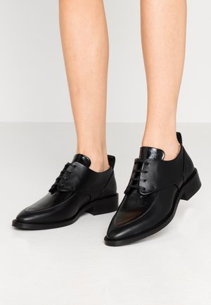 PRIME GLAZE DERBY SHOE - Zapatos de vestir - black