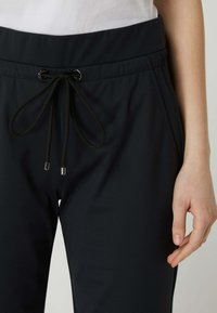 MAC Jeans - EASY - Trousers - schwarz - 2