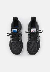 adidas Originals - ULTRABOOST DNA - Zapatillas - core black/iron metallic/carbon - 5