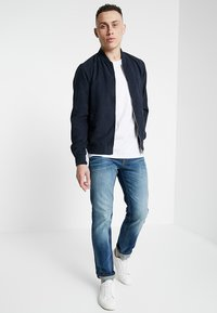 Jack & Jones - JJICLARK JJORIGINAL JOS - Jean droit - blue denim - 1