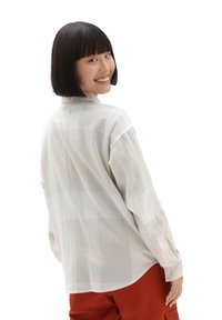 Vans - WM EASY PLAID FLANNEL - Button-down blouse - sandshell - 1