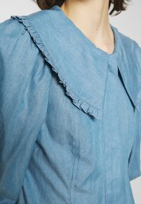 JUST FEMALE - TEXAS DRESS - Shirt dress - light blue - 4