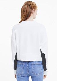 Puma - CLASSICS  - Sweatshirt - white - 2