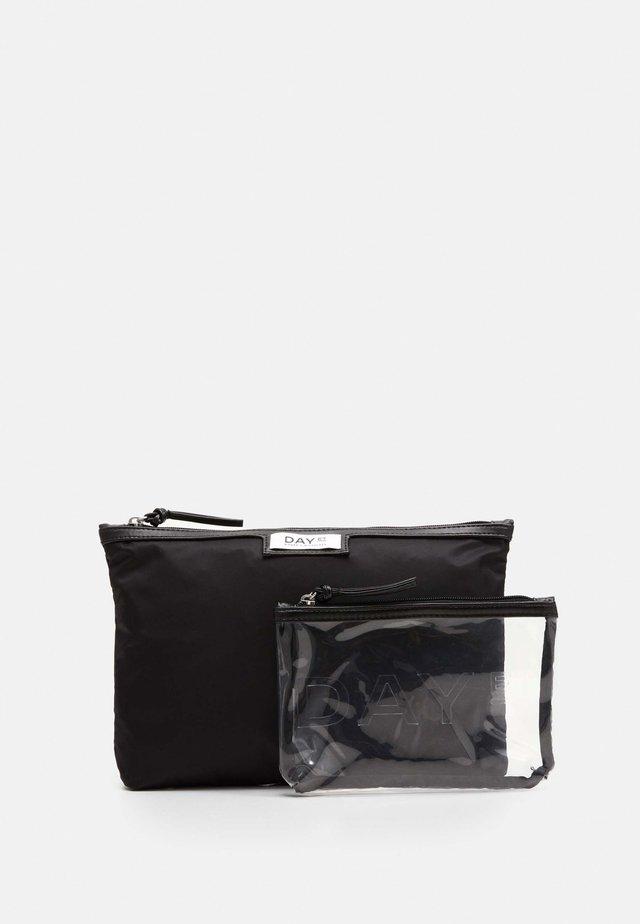 GWENETH SMALL 2 PACK - Wash bag - black