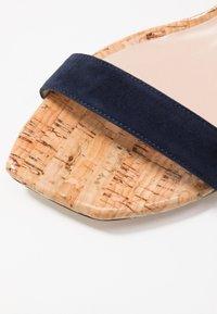 Stuart Weitzman - ALEXANDRINE  - Sandaalit nilkkaremmillä - nice blue - 2