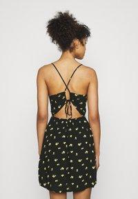 Hollister Co. - SHORT DRESS - Sukienka letnia - black - 2