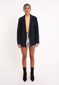 Pimkie - MIT KARO-PRINT - Short coat - marineblau - 1