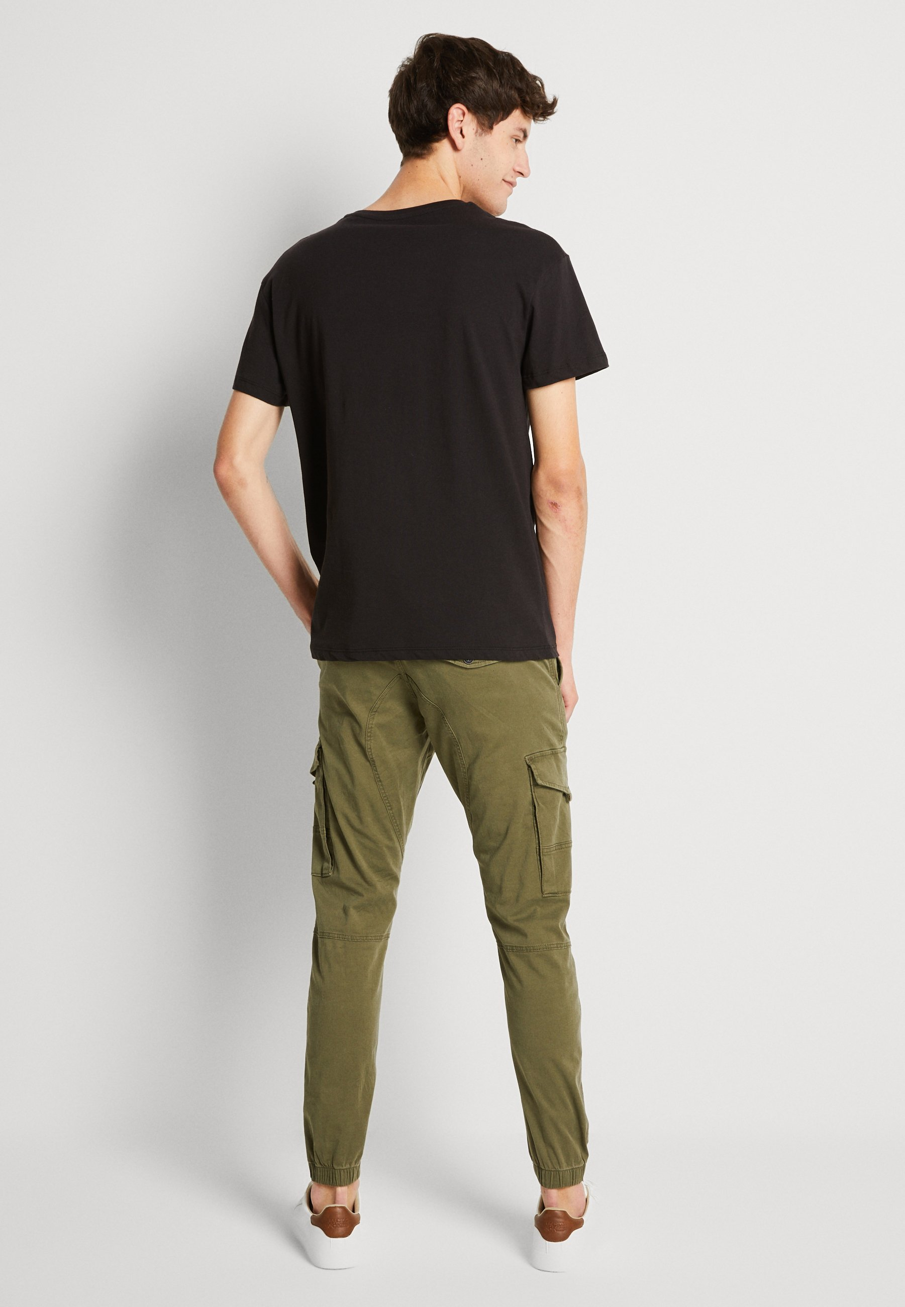 Jack & Jones JORNONVIOLENCE TEE CREW NECK - Print T-shirt - black PZZaj