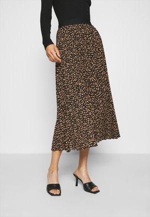 Pleated skirt - spots prin