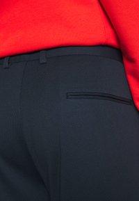 Lindbergh - SUPERFLEX PANTS - Trousers - dark blue - 5