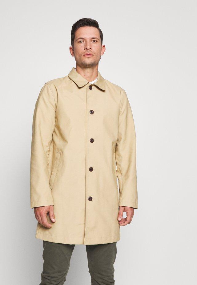 LONG MACK - Short coat - khaki sand