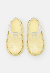 IGOR - STAR BRILLO UNISEX - Sandals - transparente/amarillo - 3