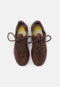 adidas Originals - PW SUPERSTAR PK UNISEX - Baskets basses - auburn/bright yello/brown - 3