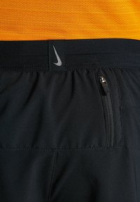 Nike Performance - M NK FLX STRIDE SHORT 7IN 2IN1 - Urheilushortsit - black/silver - 6