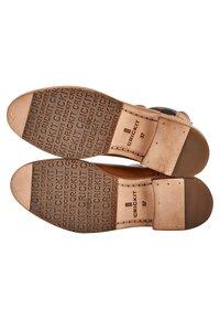 Crickit - Classic ankle boots - cognac - 4