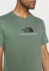 The North Face - NEW CLIMB TEE - Triko spotiskem - laurel wreath green - 3