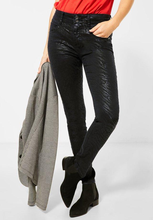 MATTIERTE  - Slim fit jeans - schwarz
