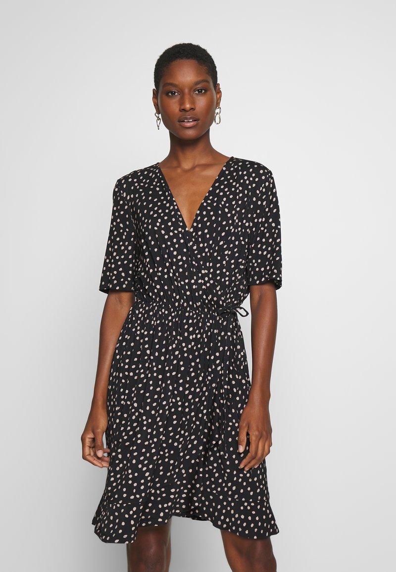 Saint Tropez - MINA DRESS ABOVE KNEE - Žerzejové šaty - black
