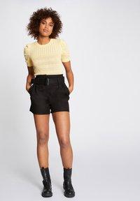 Morgan - Print T-shirt - yellow - 1