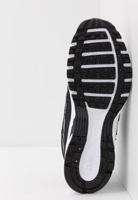 Nike Sportswear - P-6000 - Sneakers - black/cool grey/white - 4