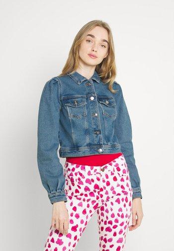 ONLDELAWARE PLEAT JACKET - Denim jacket - light blue denim