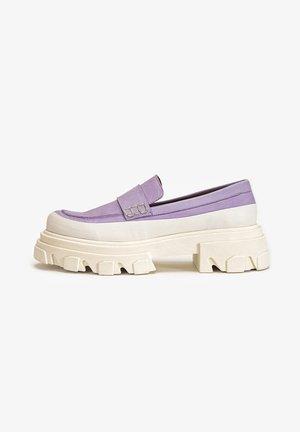 Mocassins - light purple lpe