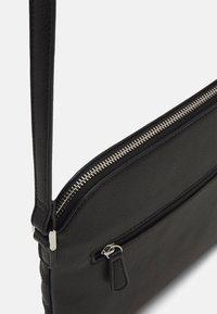L.CREDI - GIULIETTA - Across body bag - black - 3