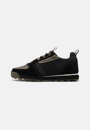RETRO HIKER - Sneakers laag - black