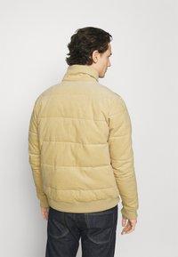 Cotton On - PUFFER JACKET - Light jacket - sand - 2
