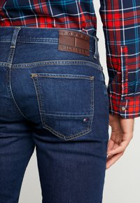 Tommy Hilfiger - STRAIGHT DENTON BOWIE  - Jeans straight leg - denim - 5