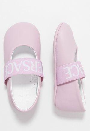 ELASTICO LOGA - Chaussons pour bébé - rose
