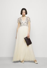 Needle & Thread - PRAIRIE FLORA BODICE DRESS - Společenské šaty - champage - 1
