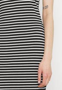 Even&Odd - Vestido de tubo - black/white - 3
