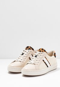 MICHAEL Michael Kors - IRVING STRIPE LACE UP - Sneakers basse - ecru - 4