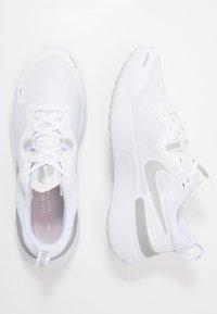 Nike Performance - REACT MILER - Zapatillas de running neutras - white/metallic silver/pure platinum - 1