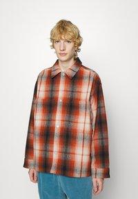 Levi's® - PORTOLA CHORE COAT UNISEX - Summer jacket - anatase picante - 0