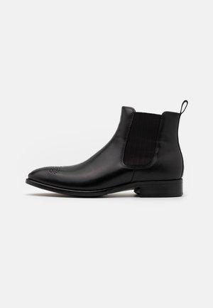 VITRUS MONDIAL - Kotníkové boty - black