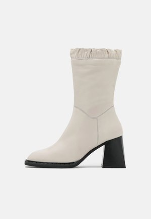 Classic ankle boots - dream nacre
