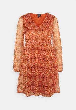VMBIANCA DRESS - Robe d'été - auburn
