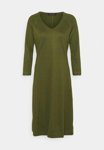 DRESS LONG SLEEVE VNECK - Jersey dress - native olive