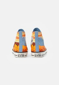 Converse - CHUCK TAYLOR ALL STAR NATIONAL PARKS - High-top trainers - magma orange/sea salt blue/egret - 2