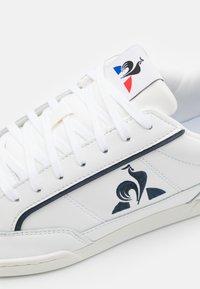 le coq sportif - TOURNAMENT UNISEX - Joggesko - optical white/dress blue - 5